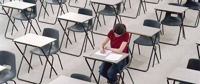 IELTS mi TOEFL mı Yoksa PTE mi?  Hangi Sınava Girmeliyim? Farkları Nelerdir?