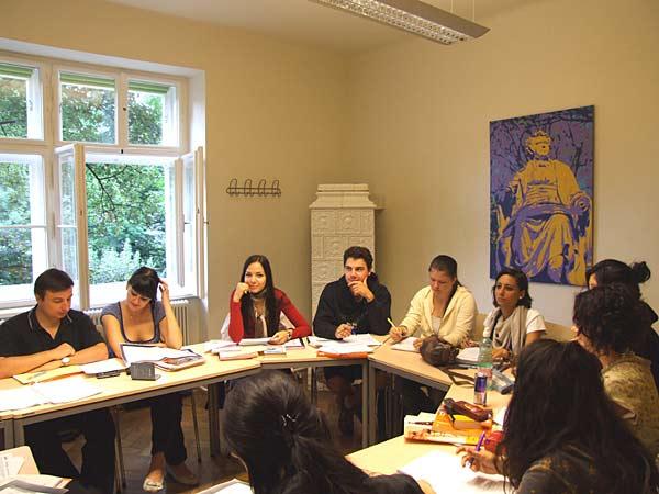Avusturya'da Dil Eğitimi Almak İsteyenlerin Bilmesi Gerekenler
